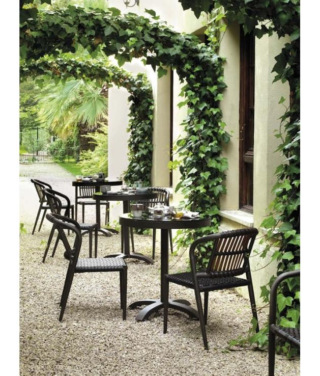 Conjunto jardín Delta 2 sillas y mesa 70 cm diámetro