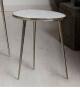 Mesa de rincón oval mármol y aluminio pequeña