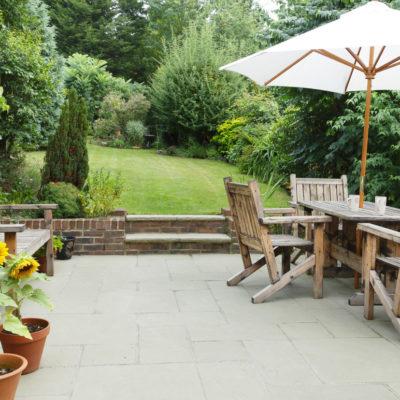 Un parasol en primavera, el artículo que necesita tu terraza o jardín
